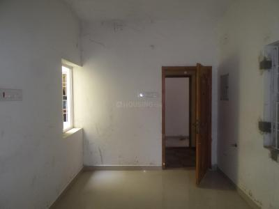 Gallery Cover Image of 795 Sq.ft 2 BHK Apartment for buy in Ambattur for 3800000