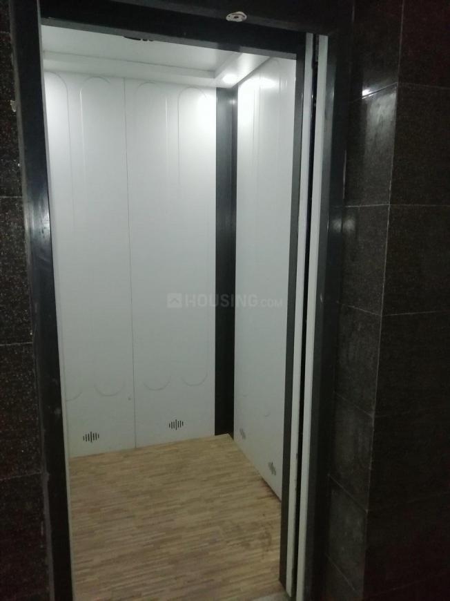 Lift Image of 1039 Sq.ft 3 BHK Apartment for rent in Merlin Maximus, Sodepur for 16000