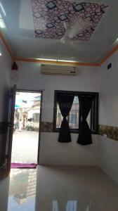 Gallery Cover Image of 400 Sq.ft 1 RK Villa for rent in Andheri West for 25000