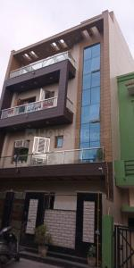 Gallery Cover Image of 1200 Sq.ft 2 BHK Independent Floor for rent in Beta II Greater Noida for 12000