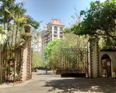 Gallery Cover Image of 1350 Sq.ft 3 BHK Apartment for rent in Madh for 45000