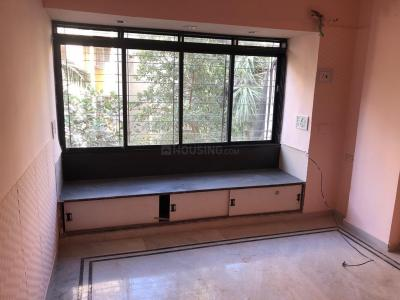 Gallery Cover Image of 1120 Sq.ft 3 BHK Apartment for rent in Kandivali West for 30000