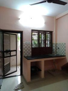 Gallery Cover Image of 1200 Sq.ft 1 BHK Independent House for rent in Mudichur for 5000