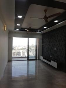 Gallery Cover Image of 2115 Sq.ft 3 BHK Apartment for rent in Science City for 33000