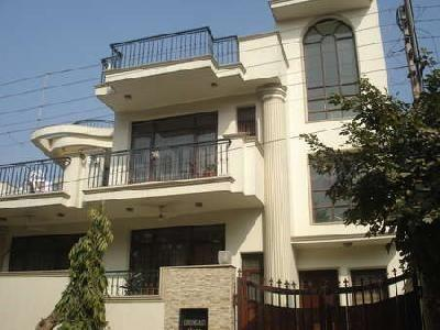 Gallery Cover Image of 896 Sq.ft 1 BHK Independent House for rent in Sector 10A for 11000