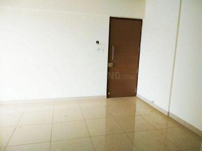 Gallery Cover Image of 650 Sq.ft 2 BHK Apartment for rent in Wadhwa Atmosphere Phase 1, Mulund West for 38000