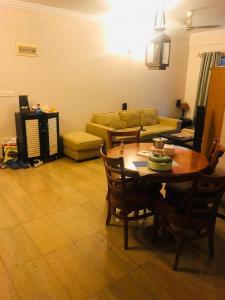 Gallery Cover Image of 1150 Sq.ft 2 BHK Apartment for buy in Puravankara Purva Iris, Cox Town for 10000000