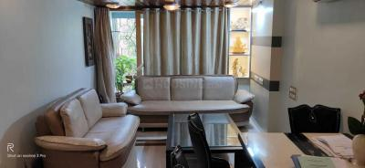 Gallery Cover Image of 560 Sq.ft 2 BHK Apartment for rent in Andheri Indra Darshan CHS, Andheri West for 50000