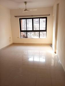 Gallery Cover Image of 1005 Sq.ft 3 BHK Apartment for rent in Kandivali East for 30000