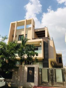 Gallery Cover Image of 11000 Sq.ft 6 BHK Independent House for buy in Shyam Nagar for 70000000