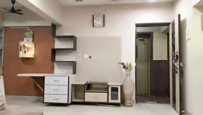 Gallery Cover Image of 980 Sq.ft 2 BHK Apartment for rent in Mahaveer Tower, Worli for 62000