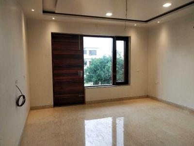 Gallery Cover Image of 2710 Sq.ft 3 BHK Independent Floor for buy in Sector 75 for 8800000