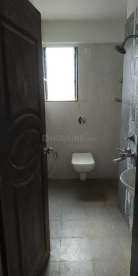 Common Bathroom Image of 800 Sq.ft 2 BHK Apartment for rent in Sion for 45000