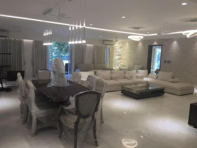Gallery Cover Image of 7700 Sq.ft 4 BHK Apartment for rent in DLF Phase 3 for 275000