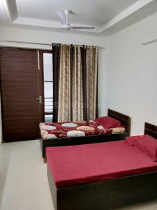 Bedroom Image of Shree Laxmi Associates PG in Sector 45