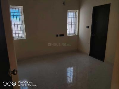 Gallery Cover Image of 900 Sq.ft 2 BHK Apartment for buy in Teynampet for 11000000