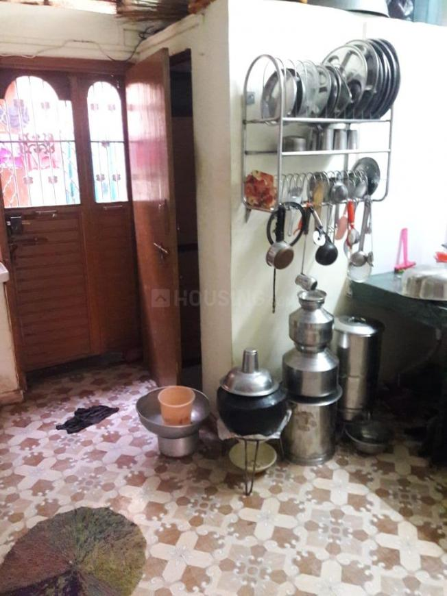 Kitchen Image of 650 Sq.ft 1 BHK Independent House for buy in Uttam Nagar for 2200000