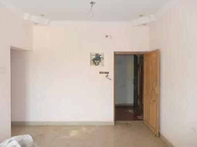 Gallery Cover Image of 818 Sq.ft 2 BHK Apartment for buy in Korattur for 3800000