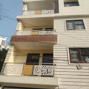Gallery Cover Image of 1100 Sq.ft 3 BHK Independent Floor for buy in Vasant Kunj for 9700000