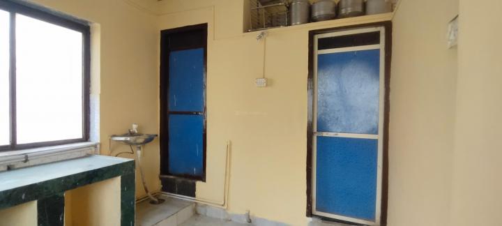 विरार ईस्ट में मनवेलपाड़ा के बाथरूम की तस्वीर