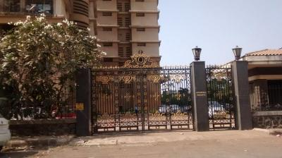 Gallery Cover Image of 1350 Sq.ft 3 BHK Apartment for buy in Malad West for 27500000