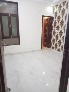 Gallery Cover Image of 1100 Sq.ft 2 BHK Apartment for buy in Sector 105 for 3600000
