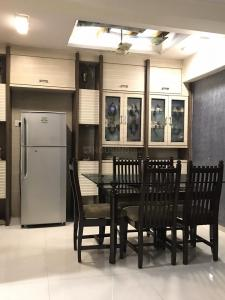 Gallery Cover Image of 1150 Sq.ft 2 BHK Apartment for rent in Seawoods for 50000