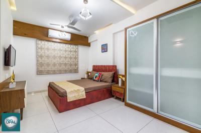 Gallery Cover Image of 1602 Sq.ft 3 BHK Apartment for buy in Rajvi Opal, Memnagar for 7929900