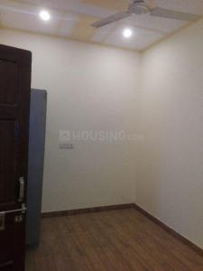 Gallery Cover Image of 1000 Sq.ft 2 BHK Independent Floor for rent in Ashok Vihar Phase III Extension for 10000