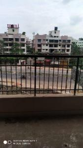 Gallery Cover Image of 1300 Sq.ft 3 BHK Apartment for rent in Reekjoyoni for 13000