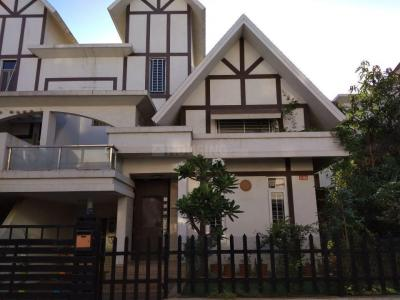 Gallery Cover Image of 2395 Sq.ft 3 BHK Independent House for buy in Kumar Picasso, Hadapsar for 24000000