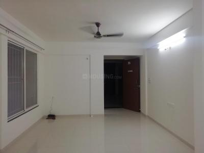 Gallery Cover Image of 1200 Sq.ft 3 BHK Apartment for rent in Dhanori for 22000