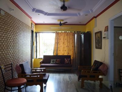 Gallery Cover Image of 850 Sq.ft 2 BHK Apartment for buy in Malad East for 16000000