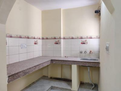 Gallery Cover Image of 950 Sq.ft 2 BHK Independent Floor for rent in Rangpuri for 10000