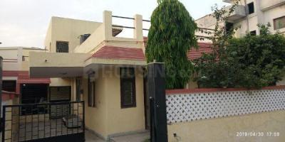 Gallery Cover Image of 2500 Sq.ft 4 BHK Villa for rent in Phi III Greater Noida for 20000