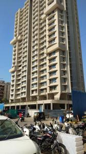 Gallery Cover Image of 810 Sq.ft 2 BHK Apartment for rent in Malad West for 32000