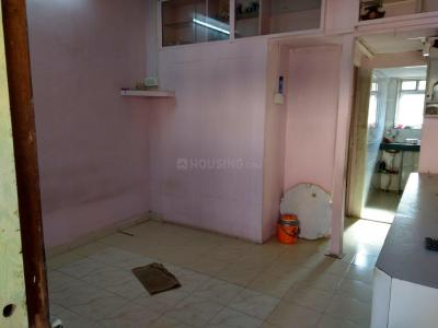 Gallery Cover Image of 275 Sq.ft 1 RK Apartment for rent in Santacruz West for 20000