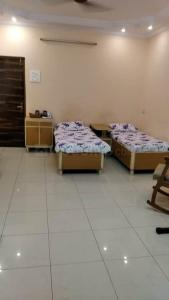 Bedroom Image of PG Room For Girl's in Mahim
