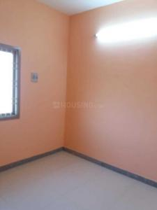 Gallery Cover Image of 700 Sq.ft 2 BHK Apartment for rent in Perungalathur for 10000