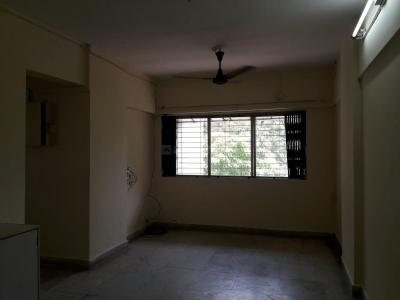 Gallery Cover Image of 850 Sq.ft 2 BHK Apartment for rent in Malad East for 36000