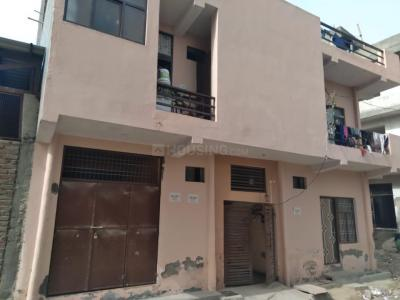 Gallery Cover Image of 270 Sq.ft 1 BHK Apartment for rent in Janta Apartment, Sector 20 for 7000
