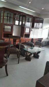 Gallery Cover Image of 970 Sq.ft 2 BHK Apartment for rent in Andheri West for 65000