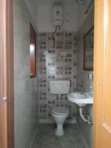 Common Bathroom Image of PG 5461568 Karol Bagh in Karol Bagh
