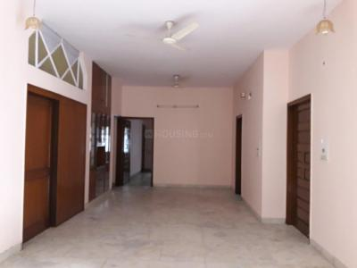 Gallery Cover Image of 1550 Sq.ft 2 BHK Apartment for rent in Sector 14 for 30000