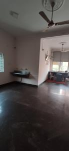 Gallery Cover Image of 3000 Sq.ft 2 BHK Independent Floor for buy in Porur for 17500000