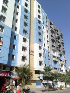 Gallery Cover Image of 1200 Sq.ft 2 BHK Apartment for rent in Ajit Blue Berry , Kharadi for 21000