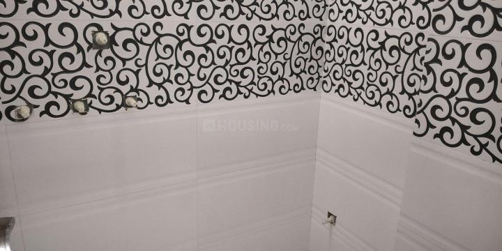 Bathroom Image of 750 Sq.ft 2 BHK Independent Floor for buy in Dwarka Mor for 3615000
