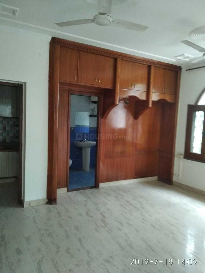 Living Room Image of 1850 Sq.ft 4 BHK Apartment for rent in DLF Phase 3 for 50000