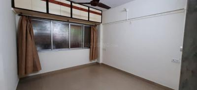 Gallery Cover Image of 800 Sq.ft 2 BHK Apartment for rent in Sai Baba Complex, Goregaon East for 30000