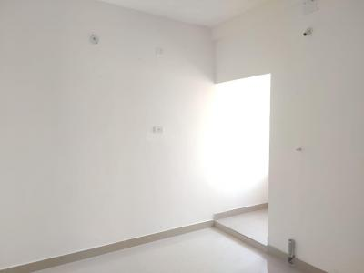 Gallery Cover Image of 970 Sq.ft 2 BHK Apartment for buy in Mugalivakkam for 6300000